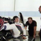 F1マシンの運転席とドライバーの運転姿勢ってどうなっているの?