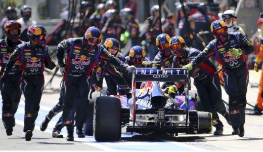 F1マシンはバック走行できるの?見たことないけど?